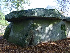 Bagneux dolmen (aqncient-wisdom.co.uk)