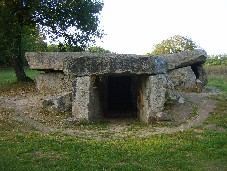 Bajoulerie dolmen (ancient-wisdom.co.uk)